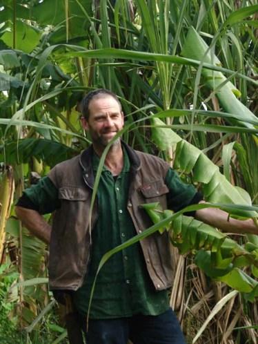 klaus-lotz-in-banana-plantation-at-permadynamics